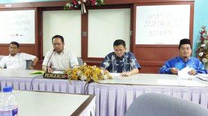 YDP En Shamsul Azam bin Mohd Isa sedang mempengerusikan mesyuarat